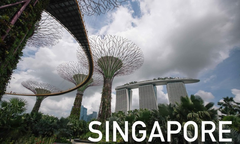 Singapore by Sebastian Stiphout